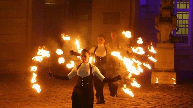 «Ніч у Львові» відкрили вогняним шоу у центрі міста