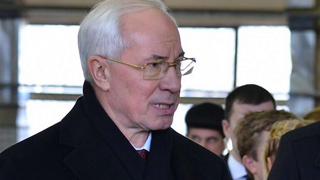 Азаров готує заяву щодо LNG-терміналу