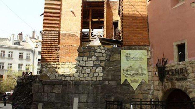У музеї «Арсенал» відновлюють вежу. Фото