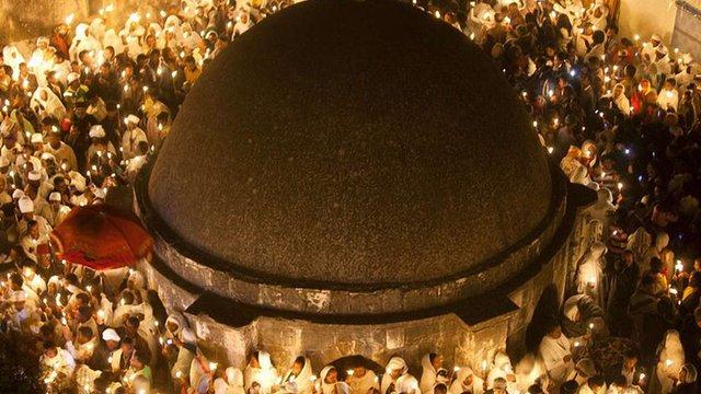 У Храмі Гробу Господнього в Єрусалимі зійшов Благодатний вогонь