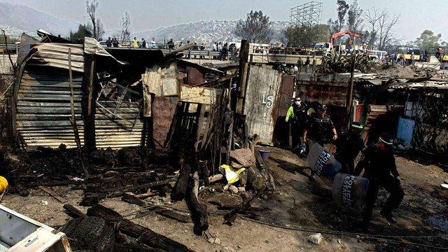У Мексиці цистерна з газом врізалась у будинки: 23 загиблих