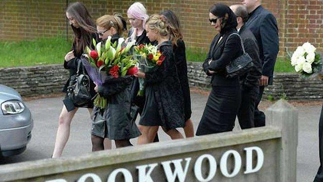 Березовського поховали поблизу Лондона