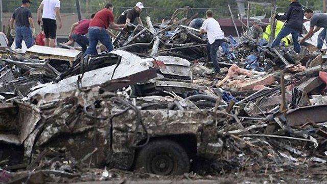 Торнадо в Оклахомі забрав життя понад 90 осіб