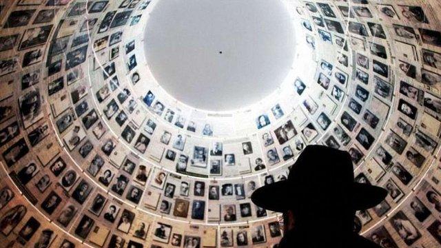 Німеччина виплатить мільярд доларів вцілілим жертвам Голокосту