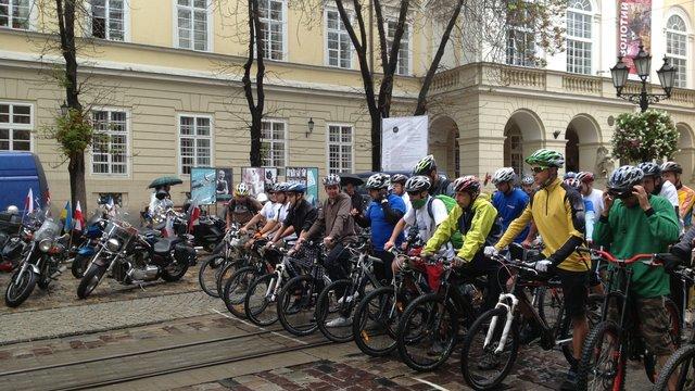 Під час велопробігу у Львові призупинять рух транспорту