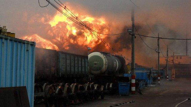 Внаслідок вибуху цистерн з нафтою у Канаді загинули 5 осіб
