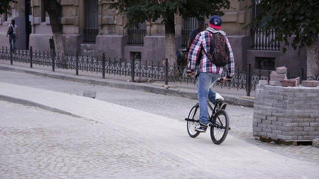 Вул. Костюшка у Львові відкриють для транспорту в середу
