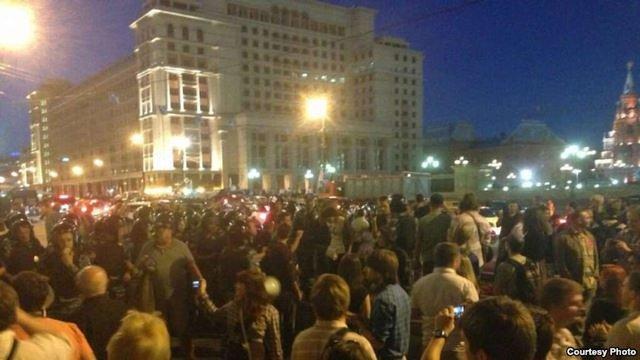 У Москві затримали понад 200 учасників акції на підтримку Навального
