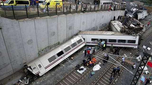 Потяг, що розбився в Іспанії, перевищив швидкість на 100 км. Водій визнає вину
