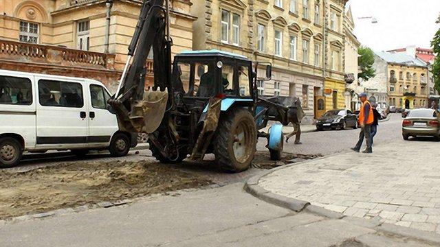 Роботи на вулиці Пекарській виконано на 70%, – Лозинський