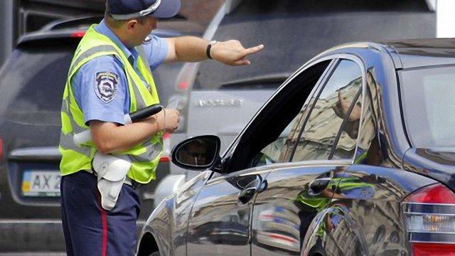 ДАІ просить водіїв 1 вересня їздити з увімкненими фарами