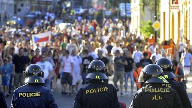 У Чехії пройшли антициганські демонстрації: затримали 75 осіб