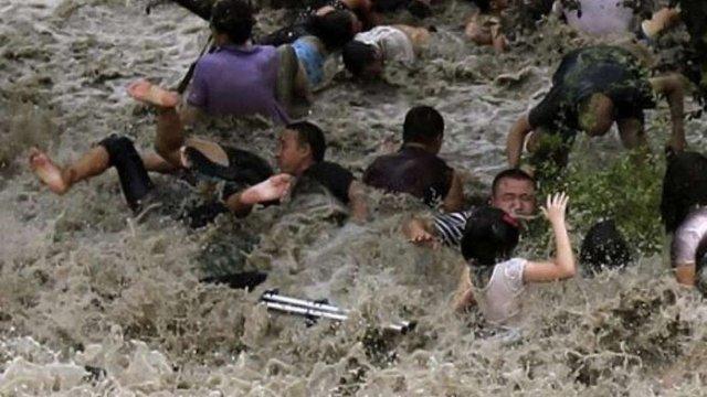 """Півмільйона осіб постраждали від тайфуну """"Трамі"""" в Китаї"""