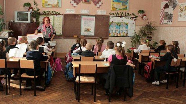 Початкові школи в селах треба зберігати, – депутат