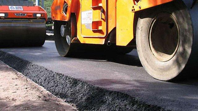 На Львівщині ремонтують дорогу Винники-Чижиків. Об'їзд