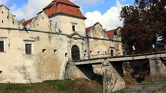 Перемишлянська райрада хоче взяти на баланс Свірзький замок