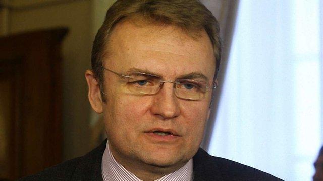 Мер Львова просить ФФУ домогтися скасування рішення ФІФА