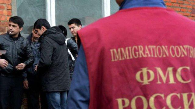 Майже 700 вихідців Середньої Азії затримали під час рейду в Москві