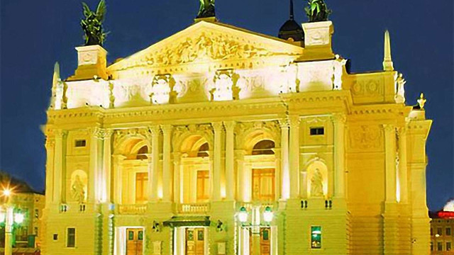 «Ніч у Львові» вперше запросить на нічну екскурсію Оперою