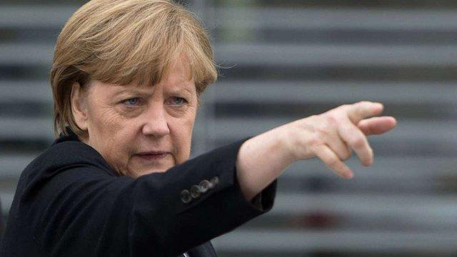 Німеччина запідозрила США у 10-річному прослуховуванні Меркель