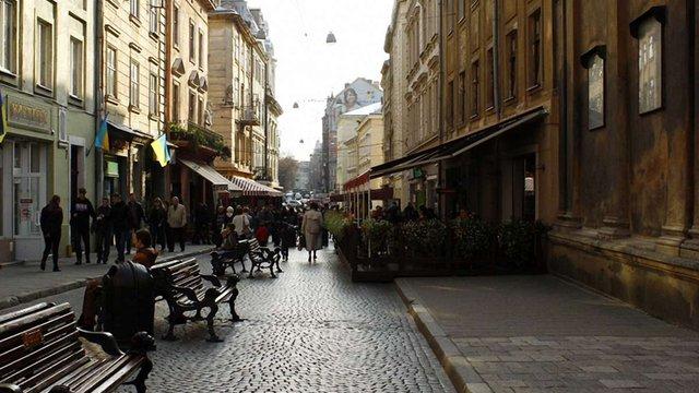 Через теплу погоду ресторатори у Львові наражаються на штрафи