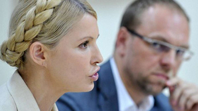 Тимошенко хочуть позбавити права на захист, - Власенко