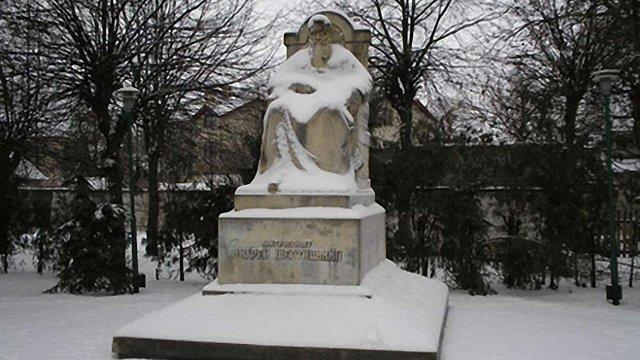 У Львові можуть перенести дорогу, щоб встановити пам'ятник Шептицькому