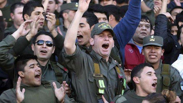 В Аргентині страйкують поліцейські: близько 60 осіб поранені
