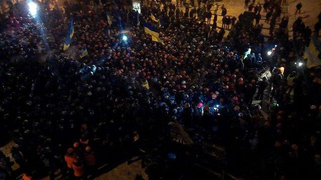 Силовики штурмують Євромайдан