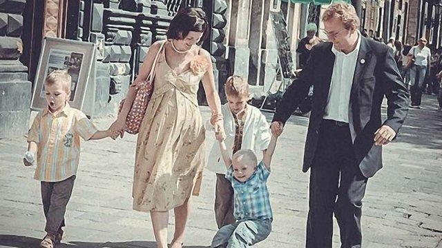 Щасливу російську сім'ю проілюстрували фото мера Львова з родиною