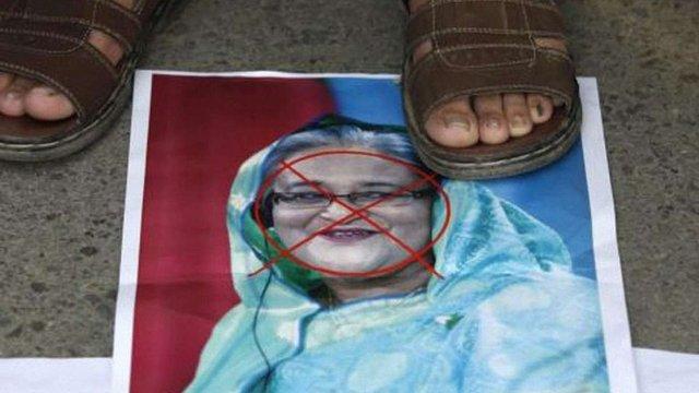 На парламентських виборах у Бангладеш підпалюють виборчі дільниці
