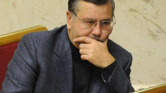 Гриценко не має наміру складати мандат народного депутата