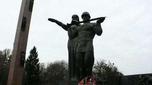 Монумент Слави у Львові перенесуть у музей «Територія терору»