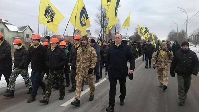 Самооборона Майдану роззброїться і зніме маски