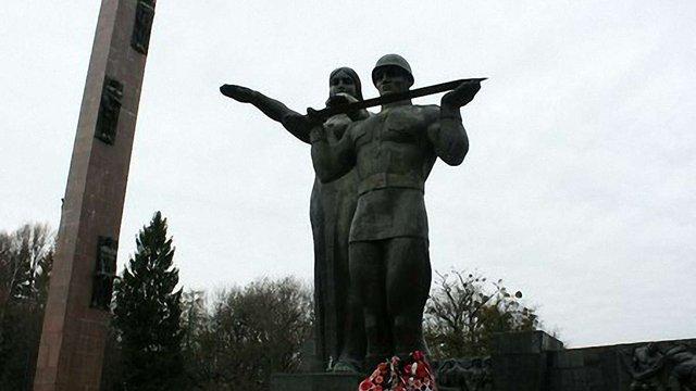Монумент Слави у Львові не знесуть без рішення громади