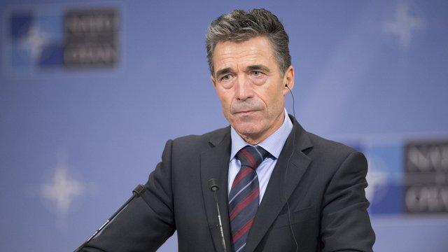 НАТО закликало Путіна відмовитися від вторгнення в Україну