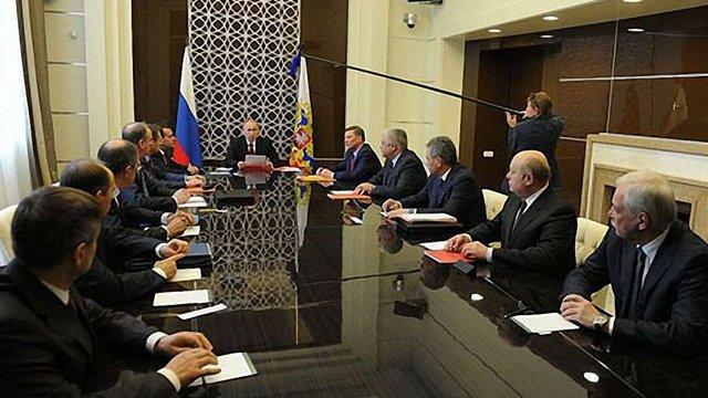 Путін думає, як будувати відносини з ЄС, США та Україною
