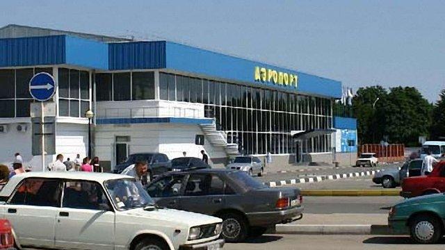 """Україна заборонила польоти до аеропорту """"Сімферополь"""""""