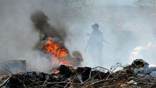 У Новоайдарі на Луганщині точиться бій між вояками і терористами