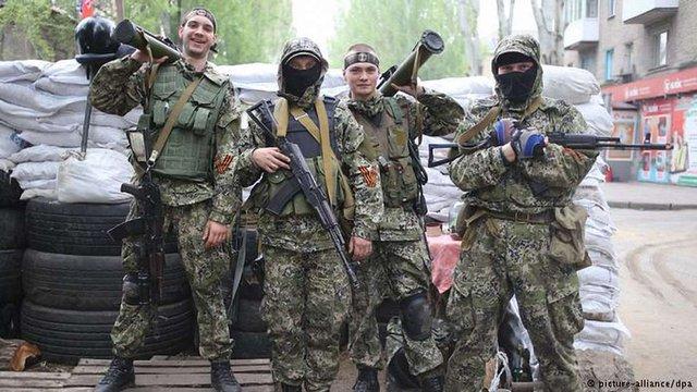 У Донецьку через терористів ДНР евакуюють окремі школи