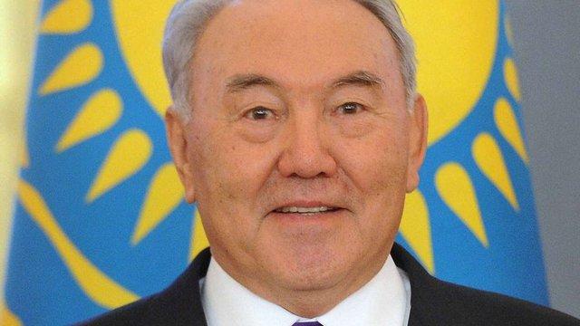 Назарбаєв привітав Порошенка з обранням на пост президента