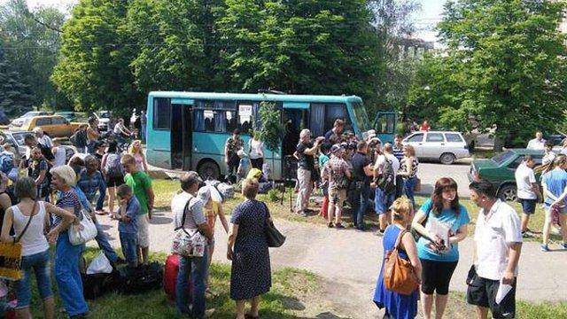 Прикордонники розповіли, як пропустили дітей з Слов'янська до Криму