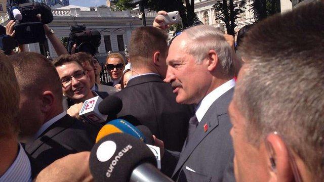 Лукашенко: Бойовиків, які воюють проти українців, треба знищувати