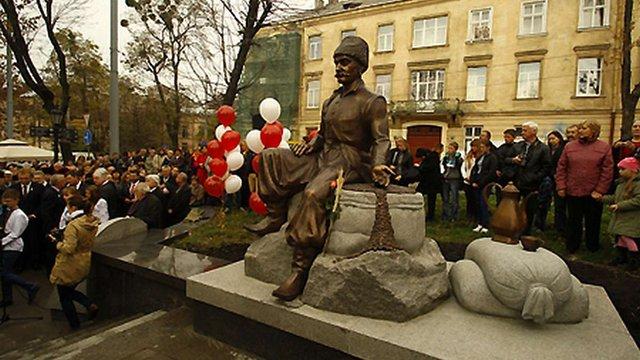 «Діалог» «закриватиме» пам'ятник Кульчицькому