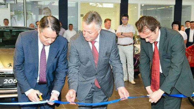 У Львові відкрили перший у Західній Україні автоцентр Peugeot Blue Box