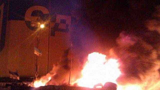 Вночі на Майдані у Києві горіла барикада, ніхто не постраждав