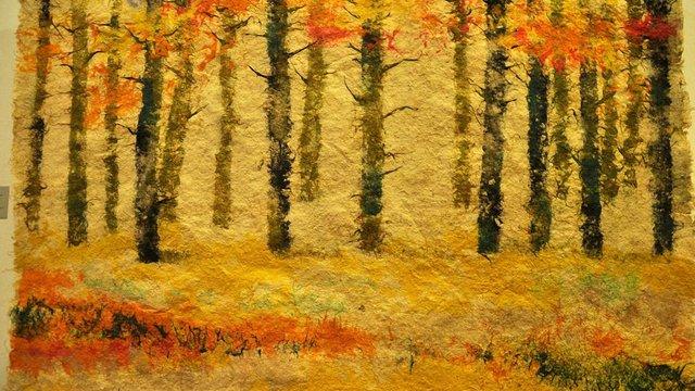 Львівська художниця виставила роботи з черпаного паперу