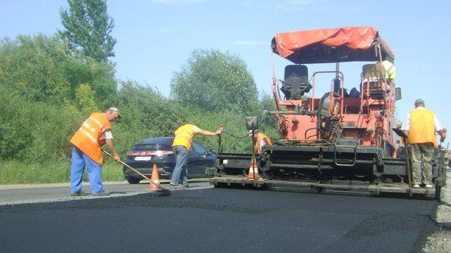 На трасі Львів-Тернопіль через ремонтні роботи обмежено рух транспорту