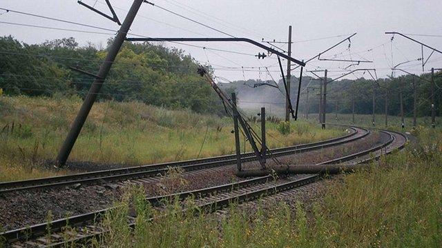 На Донеччині знову підірвали залізничні колії