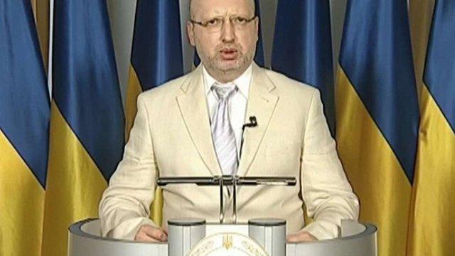 Олександр Турчинов закликав цивілізований світ постачати сучасну зброю Україні